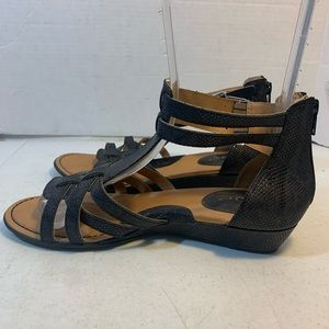 b.o.c faux snakeskin sandals flats size 9